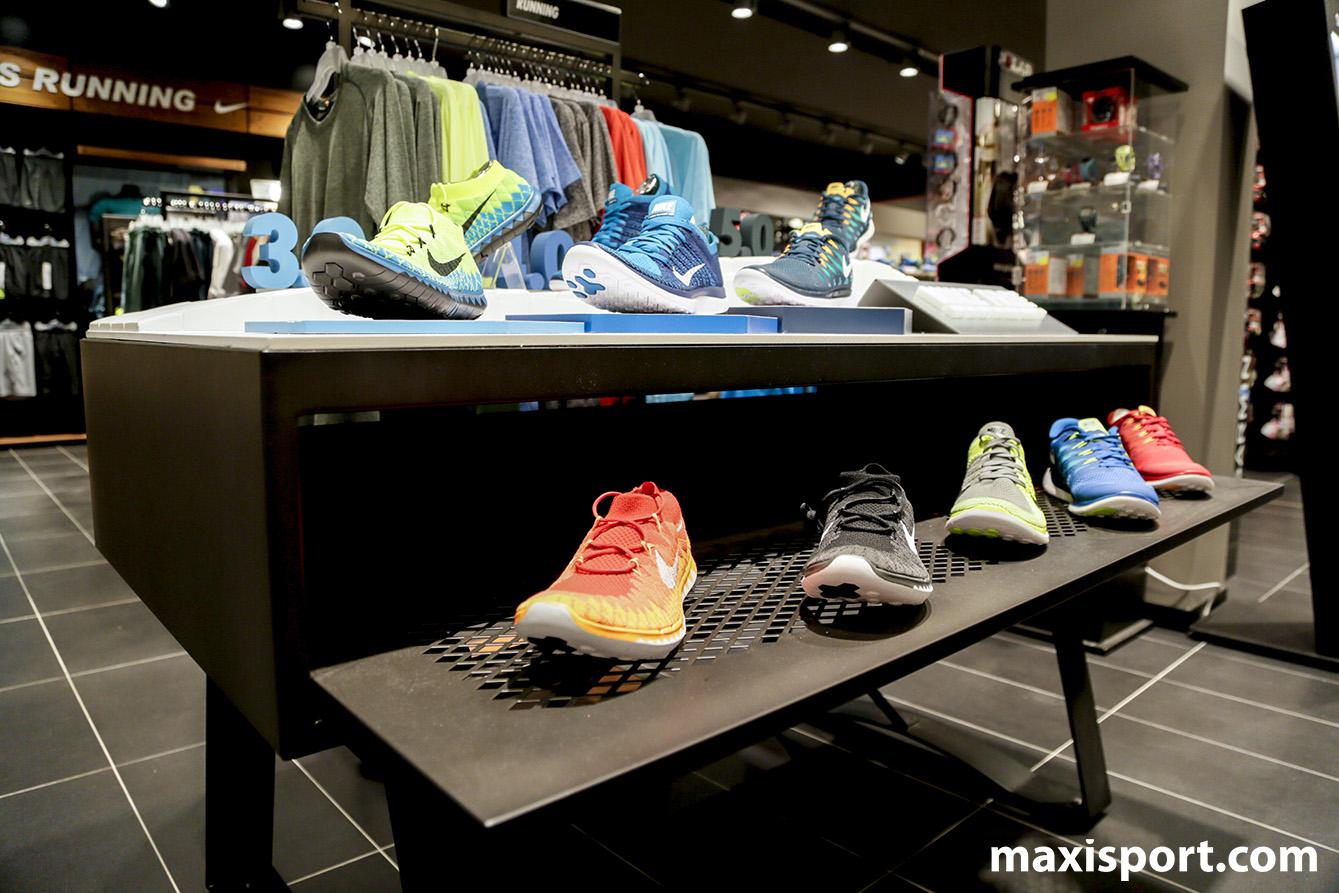 Il reparto running di Maxi Sport Merate
