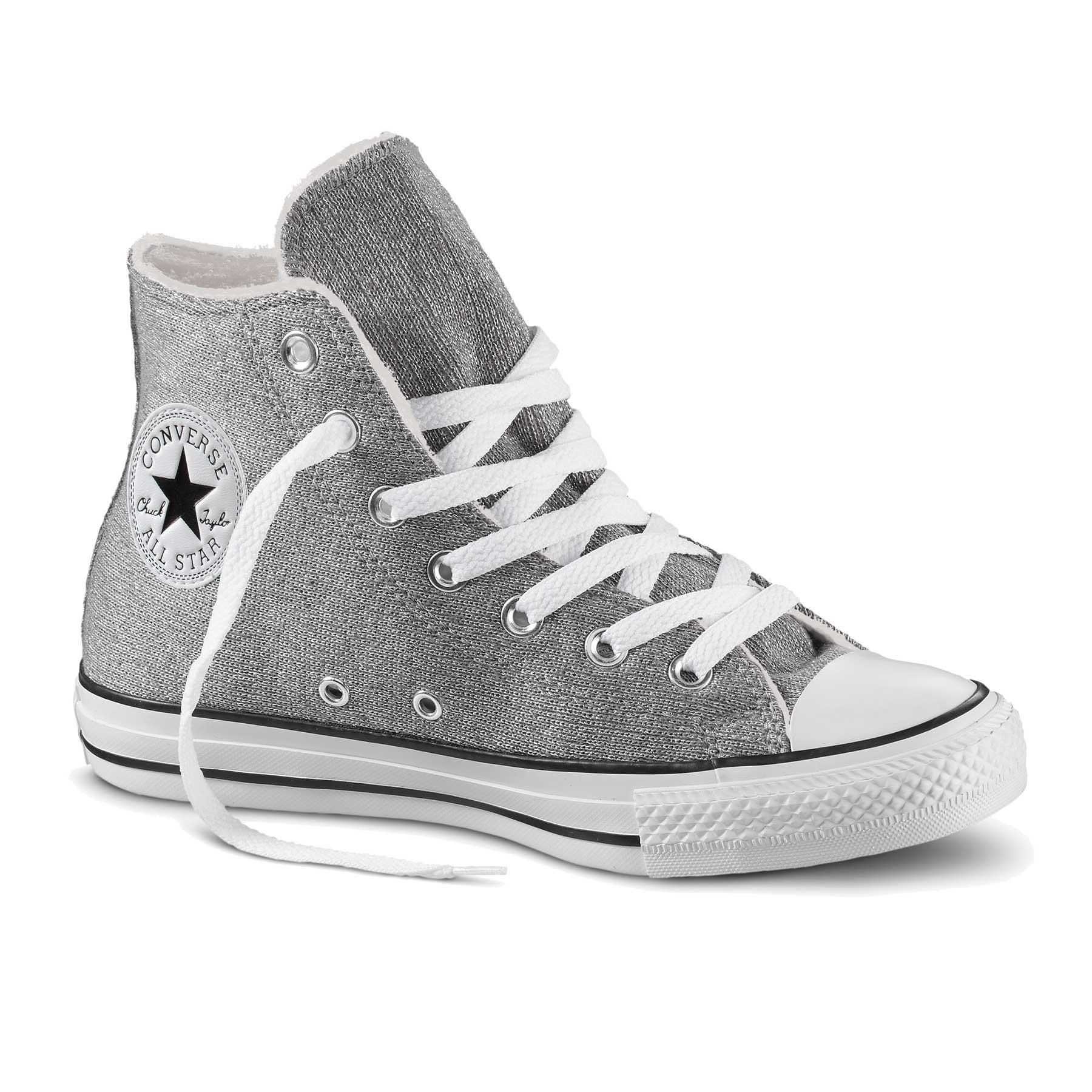 Stile sparkling  questo inverno le sneaker donna si tingono d ... e5f1b5940ab