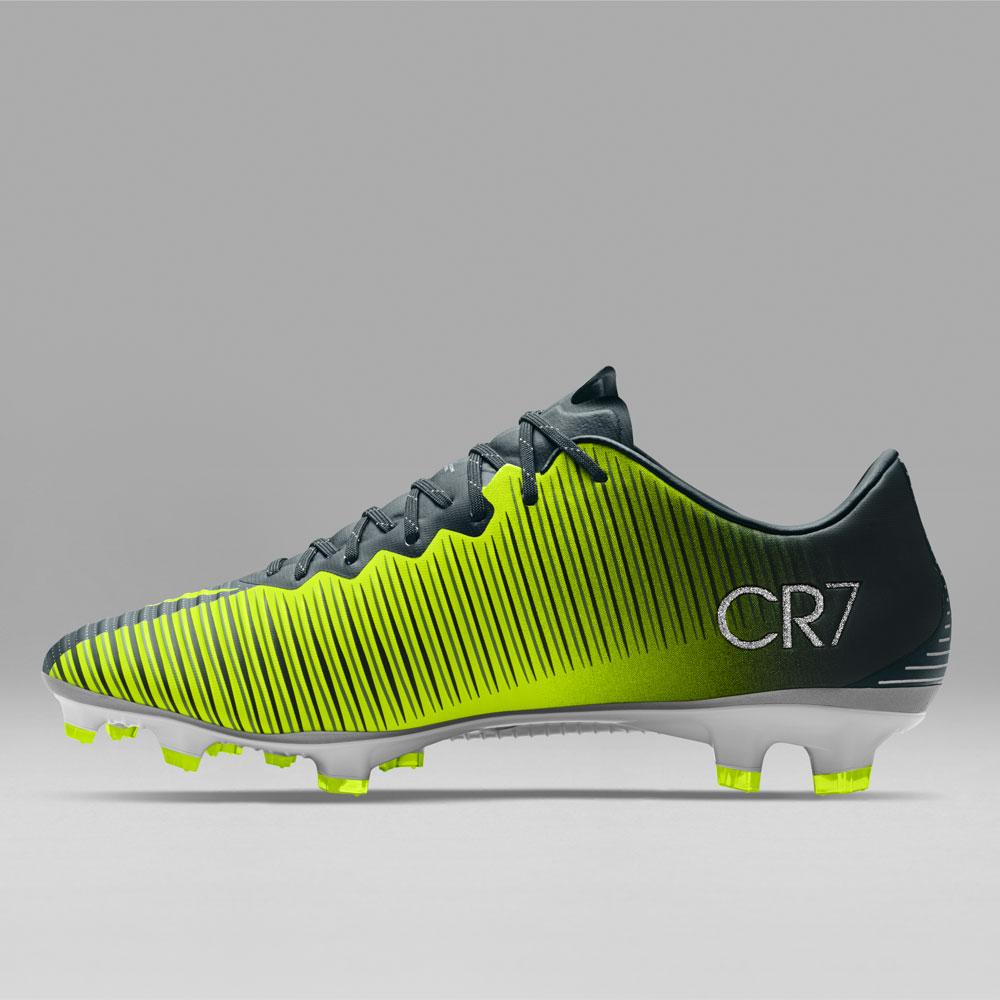 scarpe di cristiano ronaldo economico