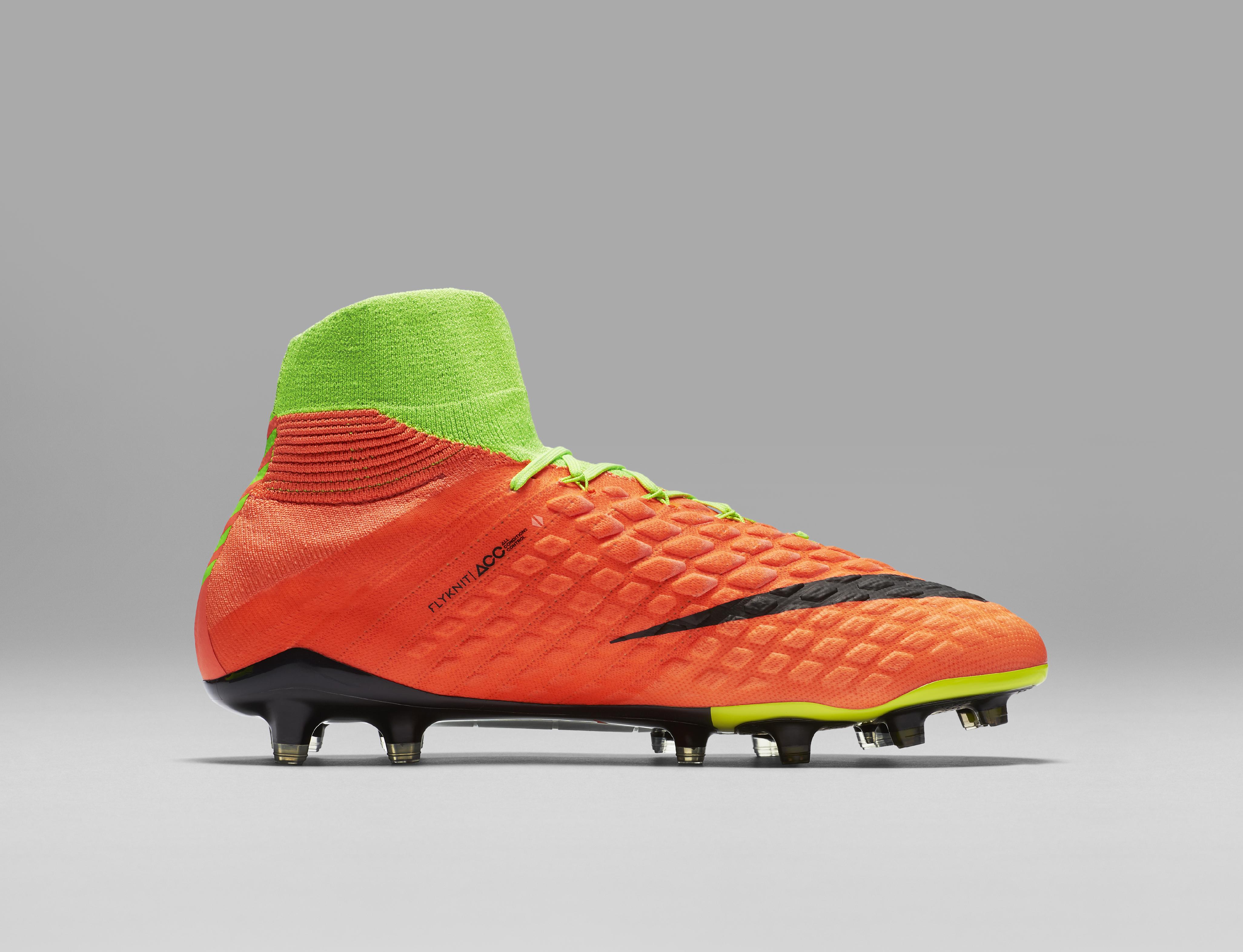 calzata scarpe calcio nike