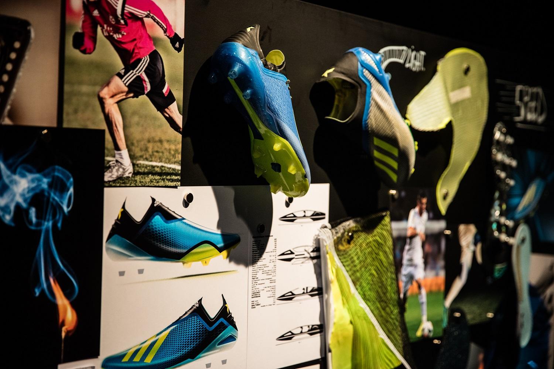 adidas Football presenta la nuova versione della scarpa da calcio adidas X18, lo scarpino creato per massimizzare la velocità dei giocatori più letali ora è ...