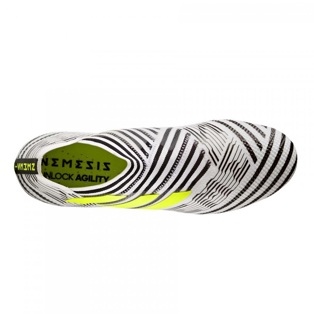 Acquista scarpe da calcio adidas e nike  f1cda506e53
