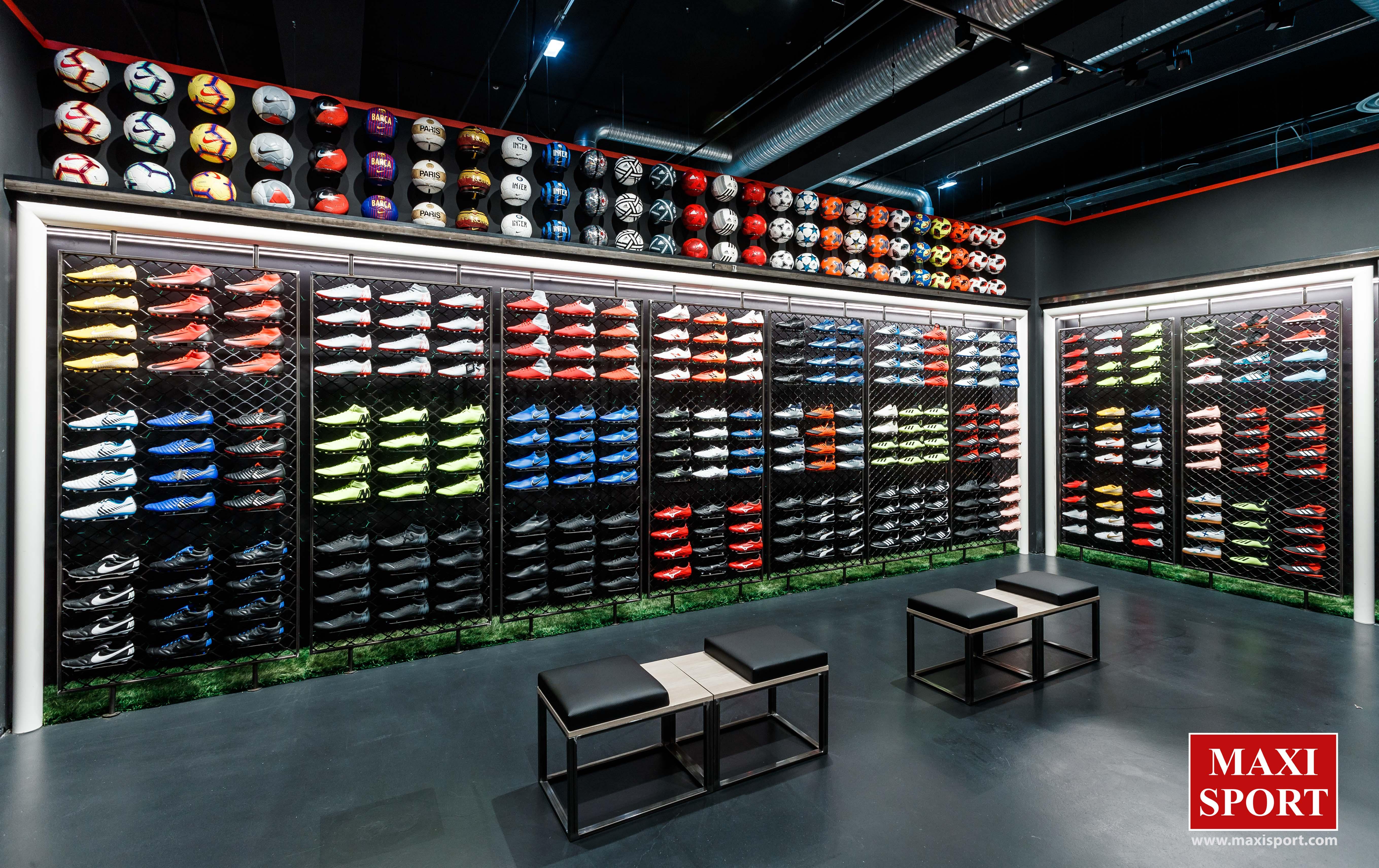 Eventi Speciali Adidas Store Brescia | Promuovere Scarpe